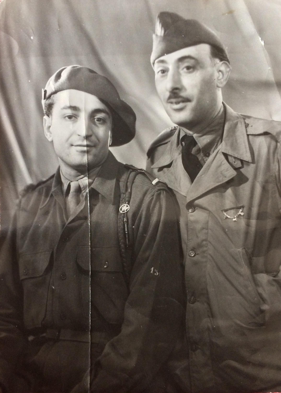Fernand FRECHE (à gauche) et Léon FRECHE ((à droite) 1944 © collection particulière