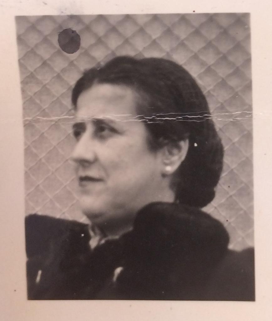 Léa ENRIQUEZ-SARANO 1939 [ADLA 4M935]
