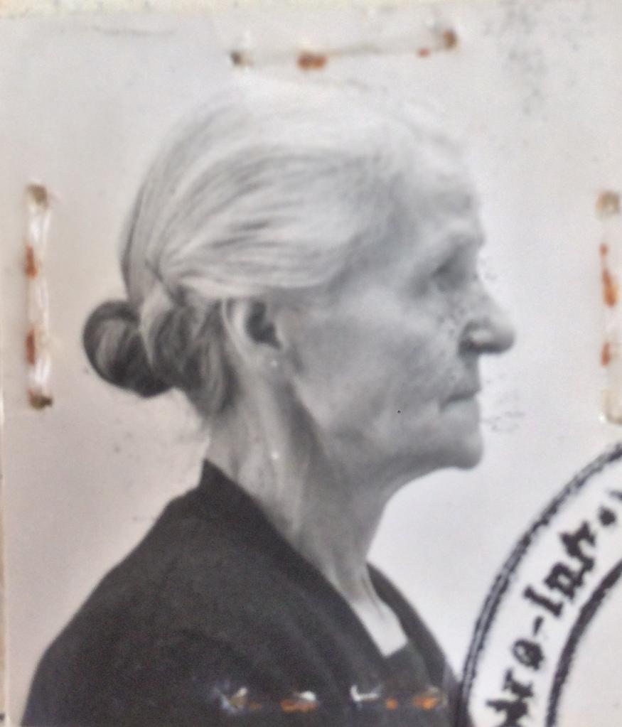 Victoria LEVI 1939 [ADLA 4M946]