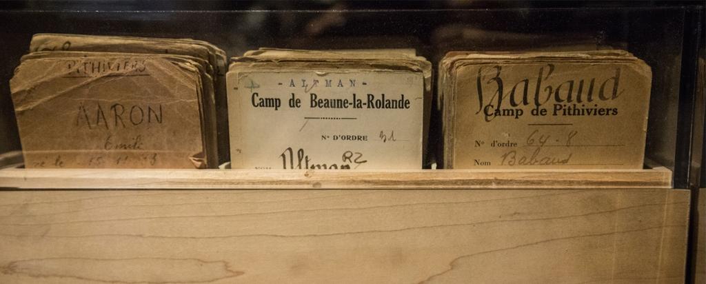Fiches cartonnées camps d'internement [CDJC, Memorial de la Shoah, en ligne]